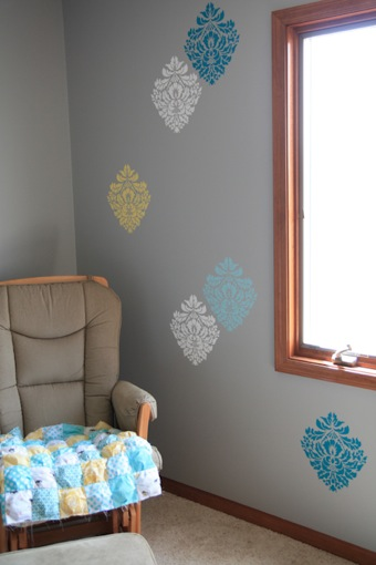 stencil-habitacion-infantil-adamascado-adoraideas