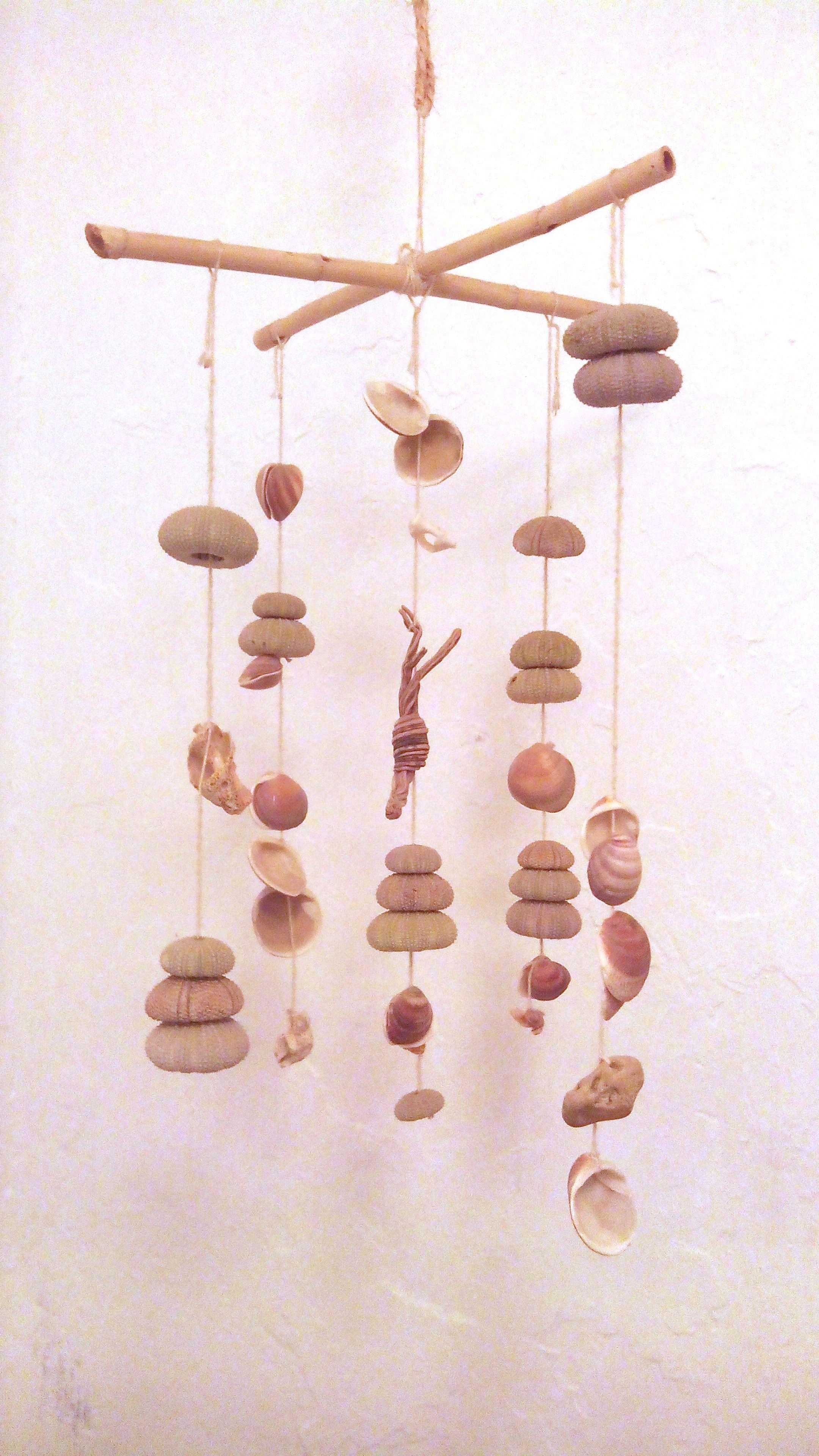 movil-conchas-erizos-handmade-casacueva-adoraideas