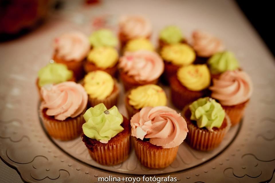cupcakes-mini-boda-adoraideas