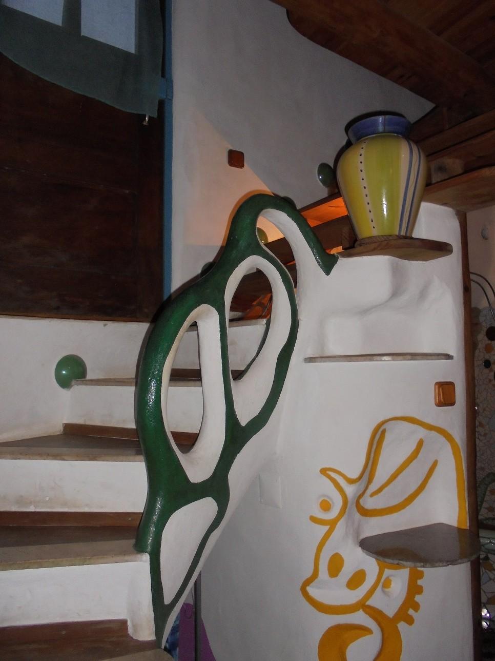 casa-piedra-raposeira-escalera-adoraideas